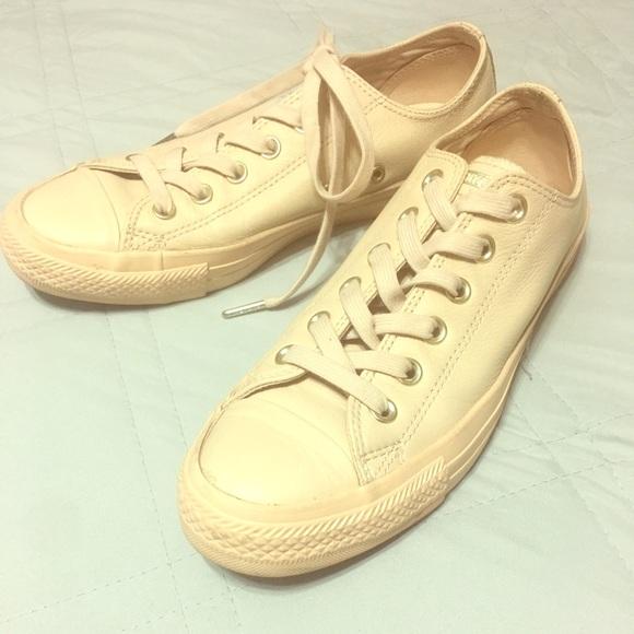 36768f4d9261c6 Converse Shoes - ⭐️Cream colored converse shoes⭐ 👌🏼
